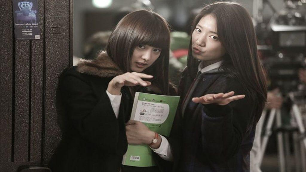 "Song Joong Ki's rumored girlfriend: Kim Ji Won chose to go ""home"" with Park Shin Hye! 1"
