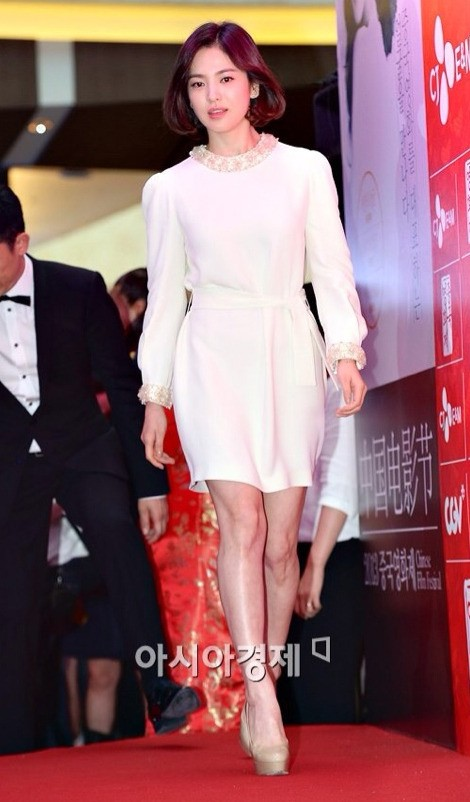 Song Hye Kyo Always proves to be the Goddess on the Red Carpet before and after divorce. 2