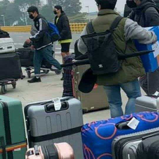 Song Joong Ki wears a secret mask to return to Korea to avoid COVID-19 epidemic 1