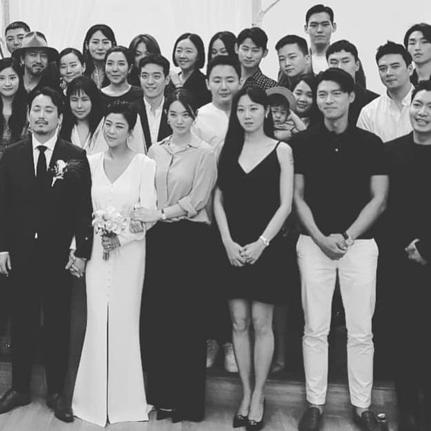 Hyun Bin suddenly appeared at the Stylist's Wedding - Super handsome alongside Shin Min Ah and Gong Hyo Jin. 4