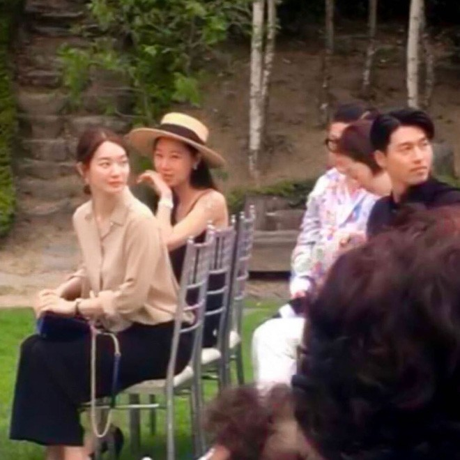Hyun Bin suddenly appeared at the Stylist's Wedding - Super handsome alongside Shin Min Ah and Gong Hyo Jin. 3