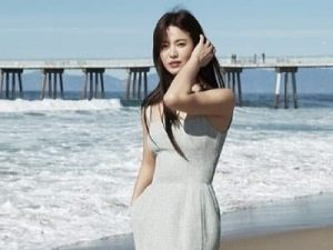 Song Hye Kyo Sexy Body 2020- Song Hye Kyo shows off her sexy body at the beach.