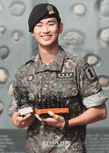 Kim Soo Hyun abandoned by his father, revealing the sad story that no one in the family visited for 2 years