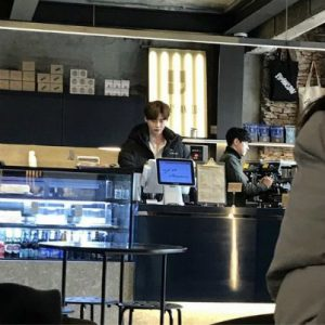 Business in tough times, Lee Jong Suk must sells his cafe for $ 4.9 million! 1