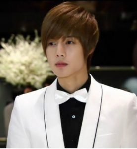 Kim Hyun Joong and his girlfriend make his career and life collapsed! 2