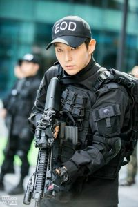 Hyun Bin, Song Joong Ki and Lee Joon Gi: Top 3 Korean stars in military uniforms look the best! 3