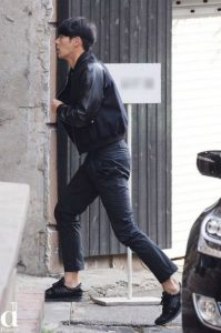 HOT- Hyun Bin was spotted by Dispatch spotted when he go to the beauty salon! 2