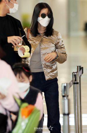 Kim Soo Hyun's rumored girlfriend, Seo Ye Ji stunned everyone when she appeared at Gimpo Airport! 1