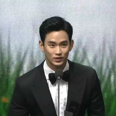 HOT - Fans Spotted Seo Ye Ji and Kim Soo Hyun looked at each other passionately when Won the AAA Hot Issue Award 2020 - Dating? 4