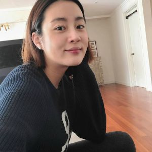 Kang Sora gained weight after becoming pregnant with her doctor husband. 2