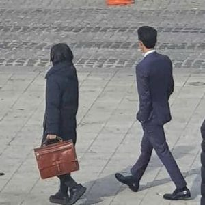 Song Joong Ki appeared with a strange woman on Song Hye Kyo's birthday, what happened? 1