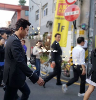 """Netizens found out the """"denunciation"""" series of photos Hyun Bin always watched Son Ye Jin step by step, Fans asked, """"Still continue to deny?"""" 4"""