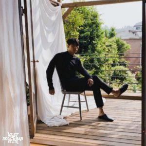 Hyun Bin immediately shooting down fans when VAST released new image of Hyun Bin in new advertising project! 1