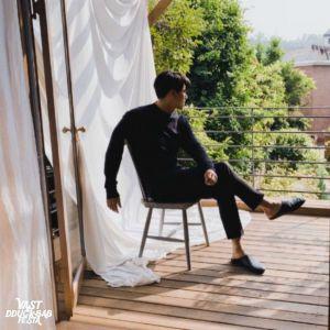 Hyun Bin immediately shooting down fans when VAST released new image of Hyun Bin in new advertising project! 2