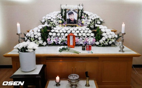 Update Rapper Iron's funeral, Mom can't stop crying because it's so heartbreaking! 1