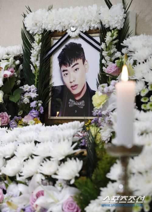 Update Rapper Iron's funeral, Mom can't stop crying because it's so heartbreaking! 2