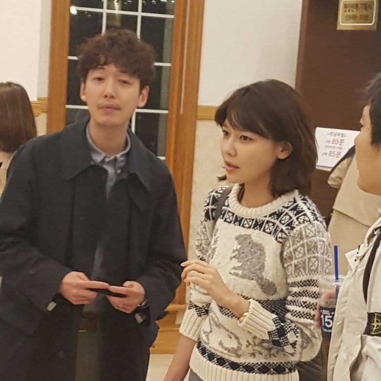 Dating Couple - Sooyoung And Jung Kyung Ho were spotted on a dating to go to theaters to watching Yoona's latest movie.