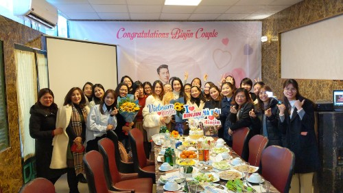 Vietnamese fans celebrate their victory for 'pushing the boat' Hyun Bin and Son Ye Jin successfully! 1