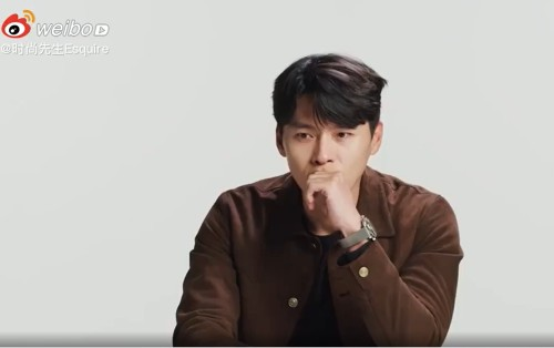 Hyun Bin hesitated when answering difficult questions about his girlfriend Son Ye Jin. 1