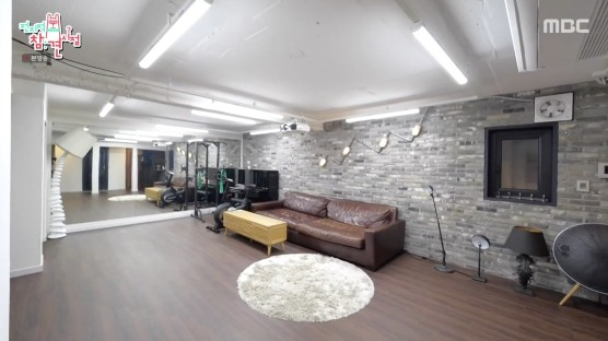 Bi Rain revealed his house and Kim Tae Hee for the first time: A luxury villa in Sowolgil, Yongsan, Seoul. 2