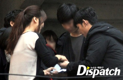 Dispatch first admitted their failure in the past 9 years to find evidence that Kim Soo Hyun is dating !!! 1
