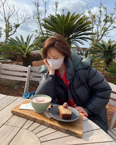 Hwang Jung Eum first appeared after divorcing her husband, climbing to the Top trending of Naver! 1