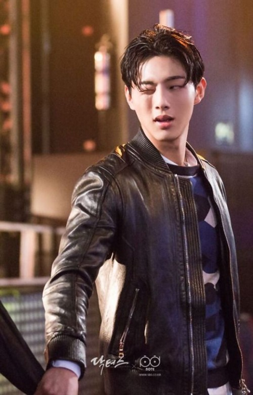 Actor Kim Ji Soo, whose name resembles BLACKPINK's Jisoo- Who is he? Why is he and Kim So Hyun causing storms across Asia this past week? 1