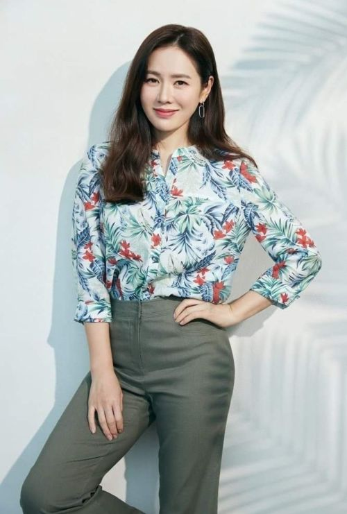 Son Ye Jin appeared with great good news after rumors of Hyun Bin buying a wedding house! 1