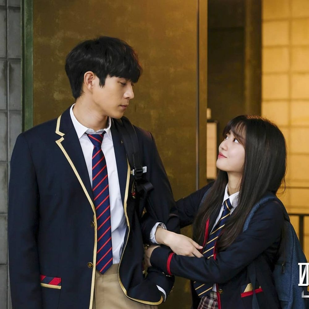 The cutest couple in Penthouse, Kim Hyun Soo and Kim Young Dae, too cute make fans wanted them to be a real couple. 2