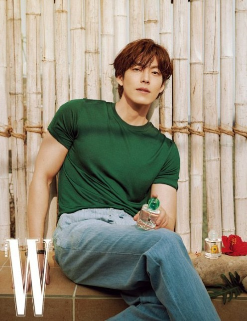 """Kim Woo bin made a strong comeback after escaping from Cancer, showing off his """"Pacific shoulder"""" that touched women's hearts in the comeback project! 1"""