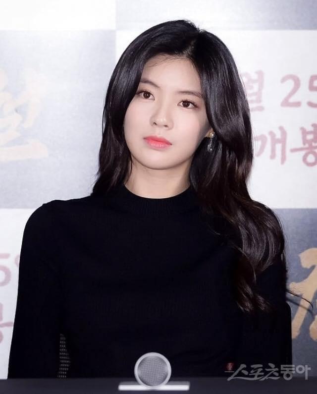 Lee Kwang Soo's girlfriend - Lee Sun Bin
