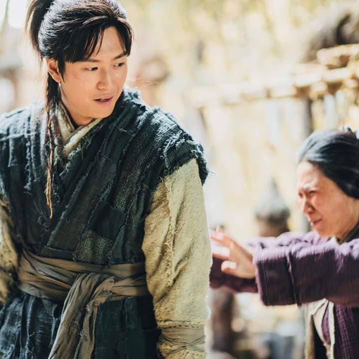 """""""River Where The Moon Rises"""" reveals Na In Woo's first appearance as On Dal in episode 9! 2"""