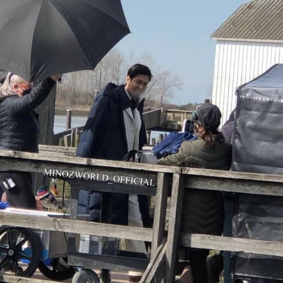 Lee Min Ho suddenly appeared on the set of Britannia Shipyard, Canada created buzz on social media!! 1