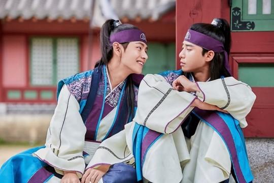 """V and Park Seo Joon """"Hwarang"""""""