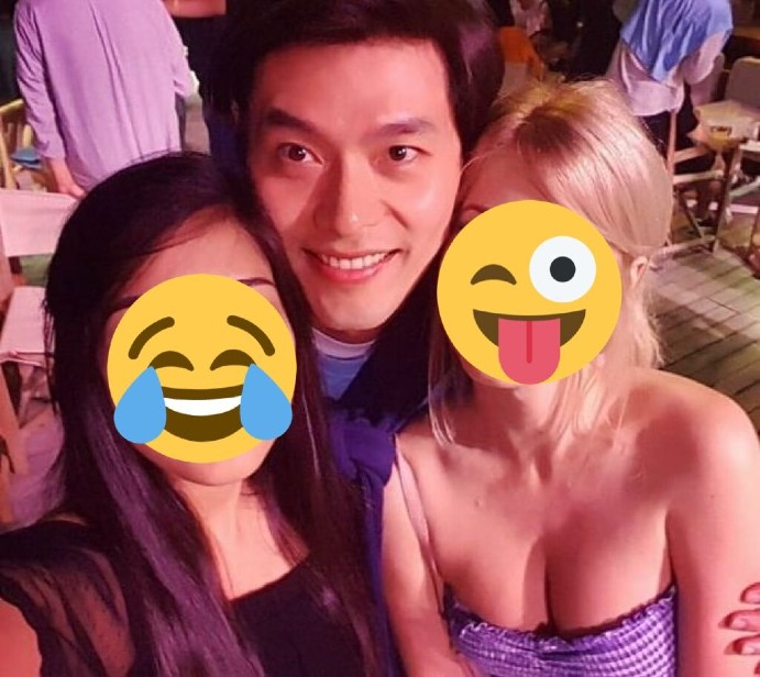 Hyun Bin caused a fever with a series of pictures holding beautiful girls, Son Ye Jin would be jealous when she saw this scene 😅 3