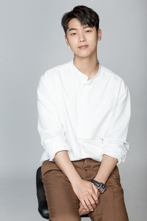 Kang Min Hyuk (1991)