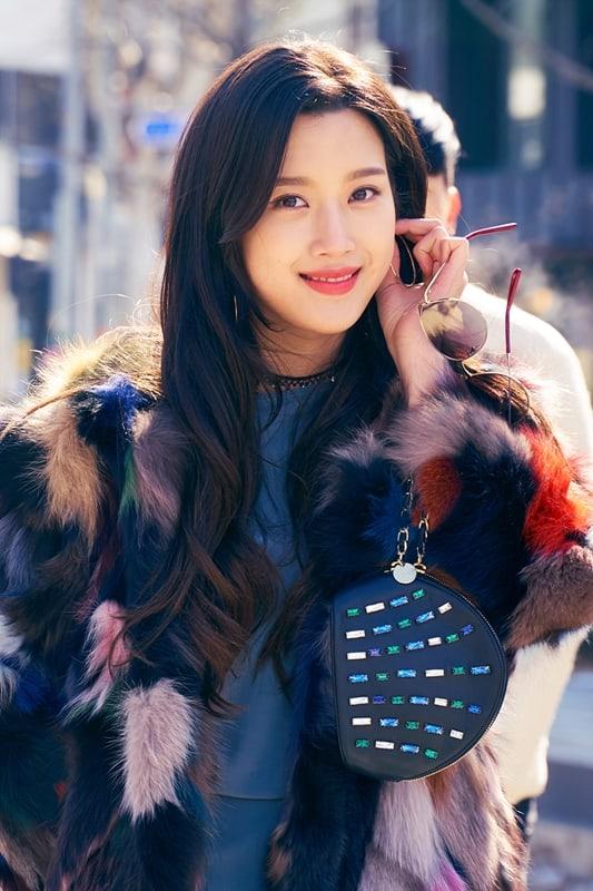Moon Ga Young as Choi Soojin