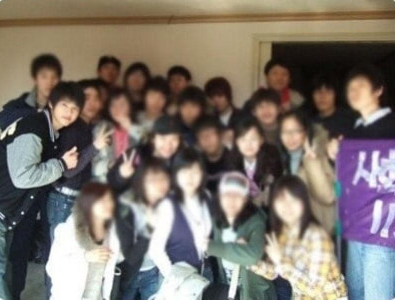 Song Joong Ki became a internet phenomenon after his college era photos went viral. 3