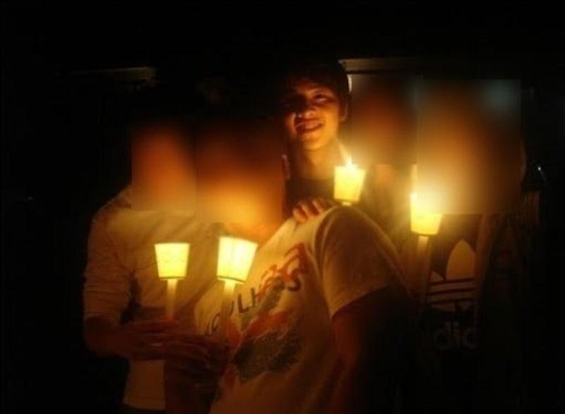 Song Joong Ki became a internet phenomenon after his college era photos went viral. 4