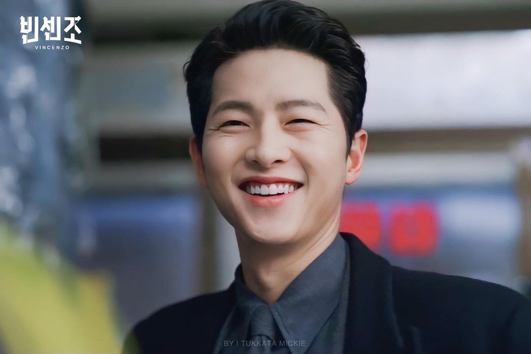 Song Joong Ki's Vincenzo shot down NETFLIX's charts for the latest episode! 2