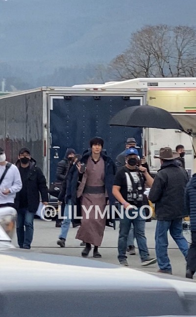 Lee Min Ho causes fear with a blood-stained face, messy hair at the set of the upcoming movie. 1