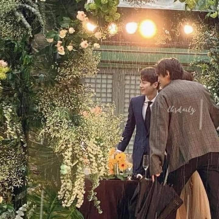 Song Joong Ki and Lee Kwang Soo attended their close friend Lee Michael's Wedding at The Shilla Seoul Hotel. 3