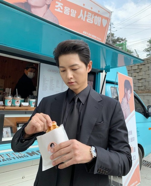 Song Joong Ki Thanking Everyone For Supporting Vincenzo While They Were Filming! 3
