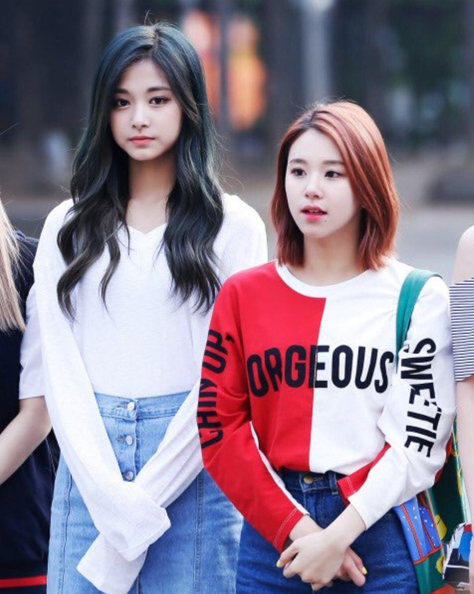 Twice Tzuyu and Chaeyoung