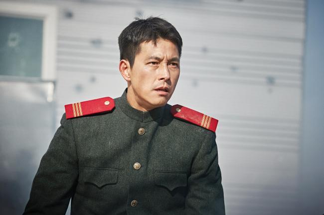 Jung Woosung as Eom Chulwoo in 'Steel Rain'