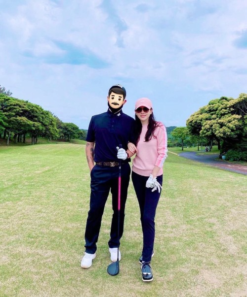 HOT- Without Hyun Bin, Son Ye Jin and best male friends go on a golf date together! 1