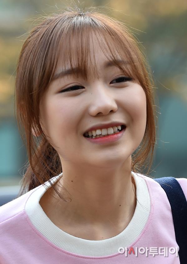 Lovelyz's Sujeong