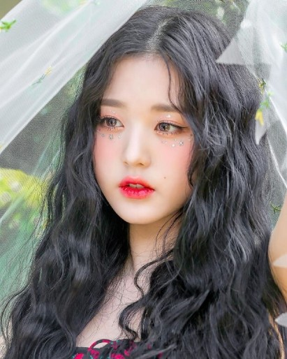 Jang Won Young: Born to be a celebrity, still a hot name even though IZONE disbanded. 1
