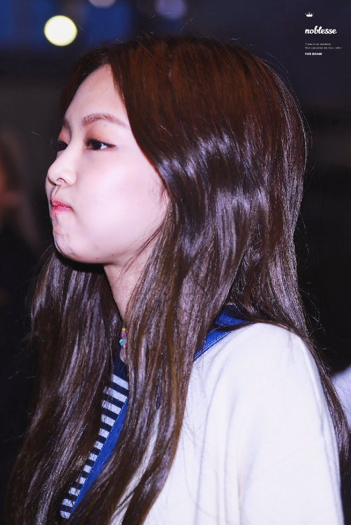 7 Female Idols Known For Their Ridiculously Cute Chubby Cheeks 1
