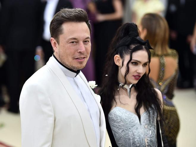 BlackPink's Jennie is close to billionaire Elon Musk's girlfriend Grimes! 2